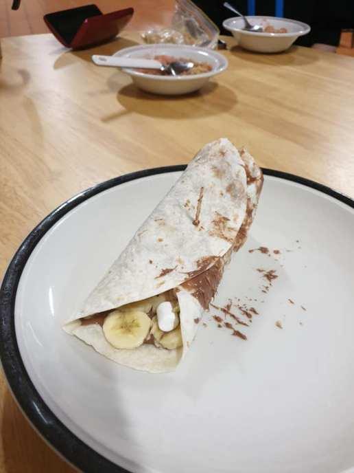 Dessert burrito